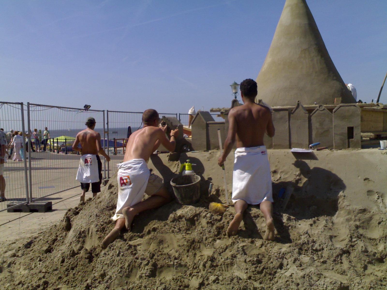 L'Aia, il Festival delle Sculture di Sabbia