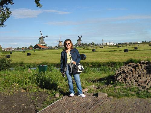 Lucia e la sua bella Olanda, racconta