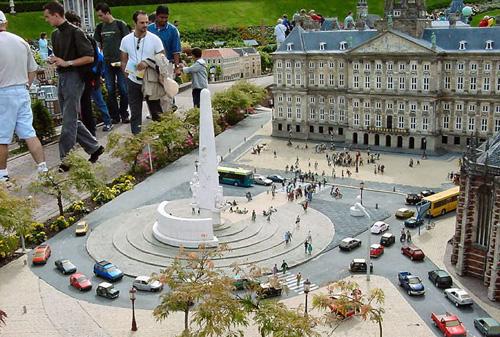 Madurodam, l'Olanda in miniatura, Piazza Dam di Amsterdam