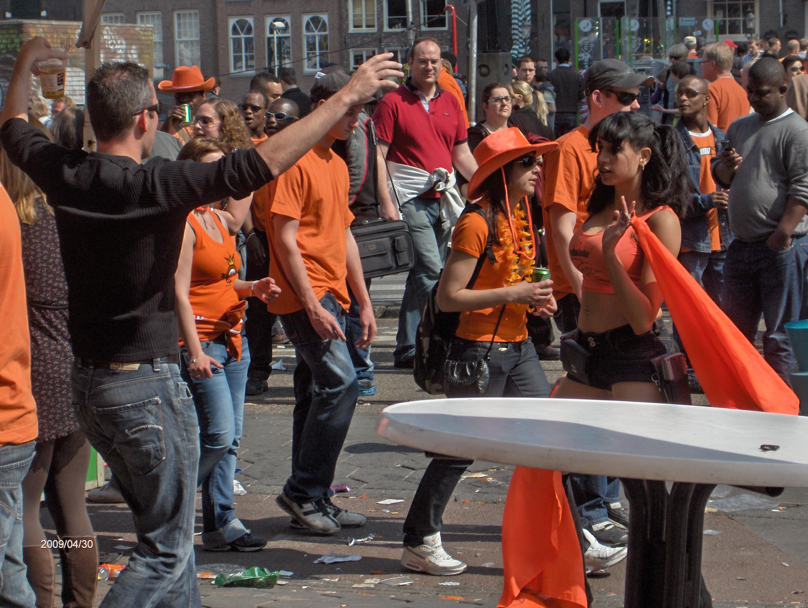 Amsterdam Aprile 09, il viaggio di Piero. Imprevisti ma anche tanto arancione
