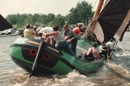 Frisia. La spettacolare regata degli Skûtsjesilen