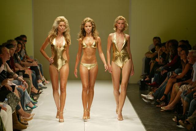 Modelle in passarella all'Amsterdam International Fashion Week