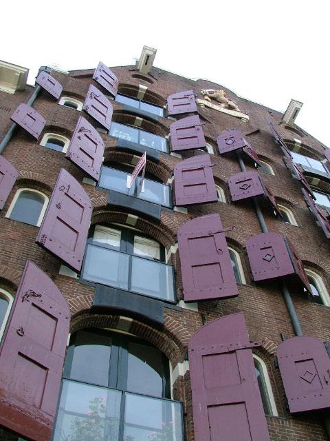 Amsterdam, Un vecchio Magazzino tipico